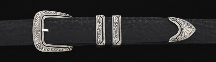 1¼ 4 piece Cortez feather engraved buckle on Black Shark